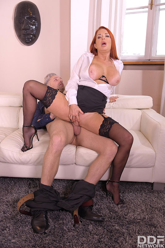 DDF Busty: Veronica Avluv - Busty Milf on Anal Assignment 8
