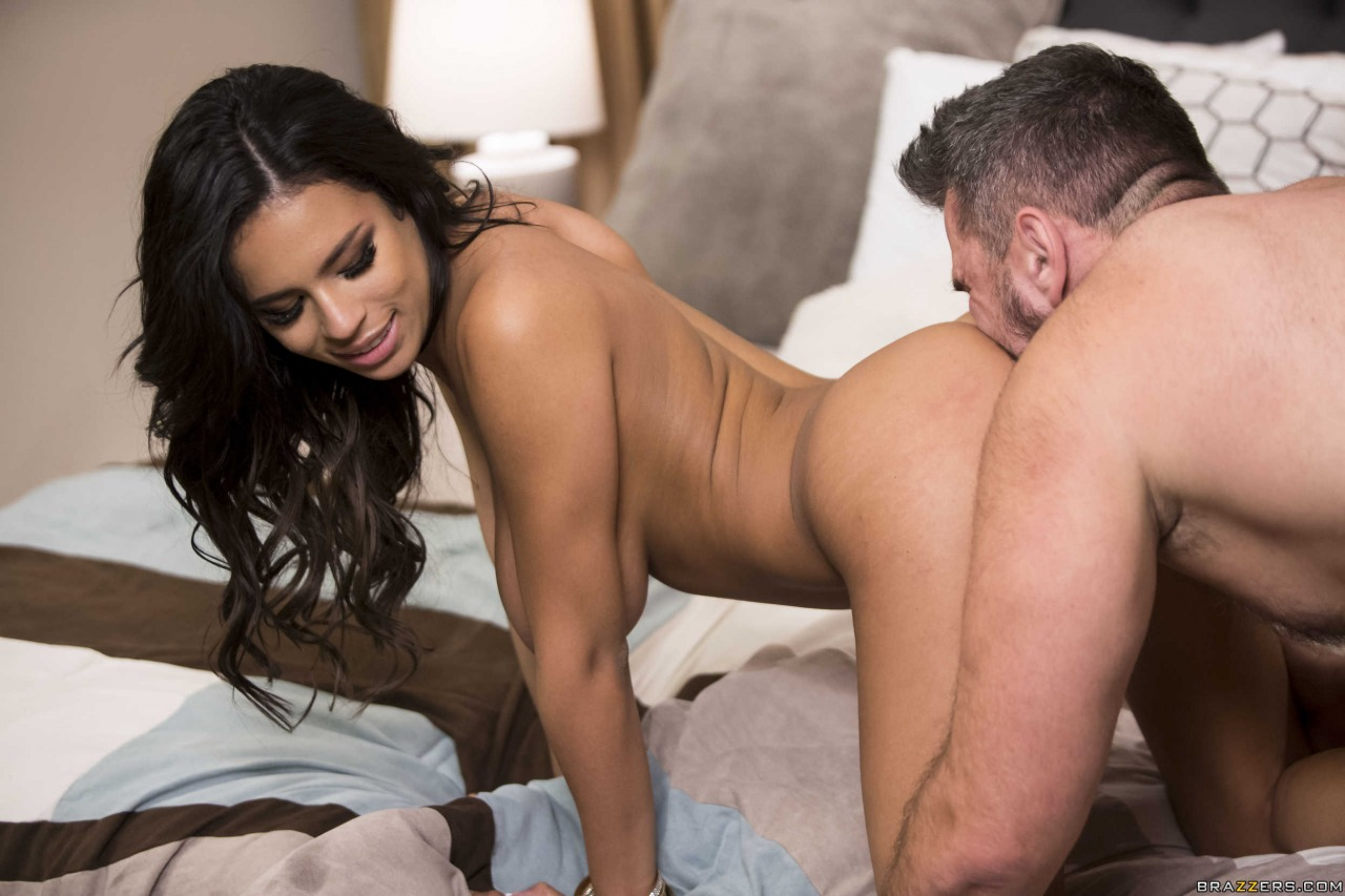 Brazzers Autumn Falls VIP Treatment 19