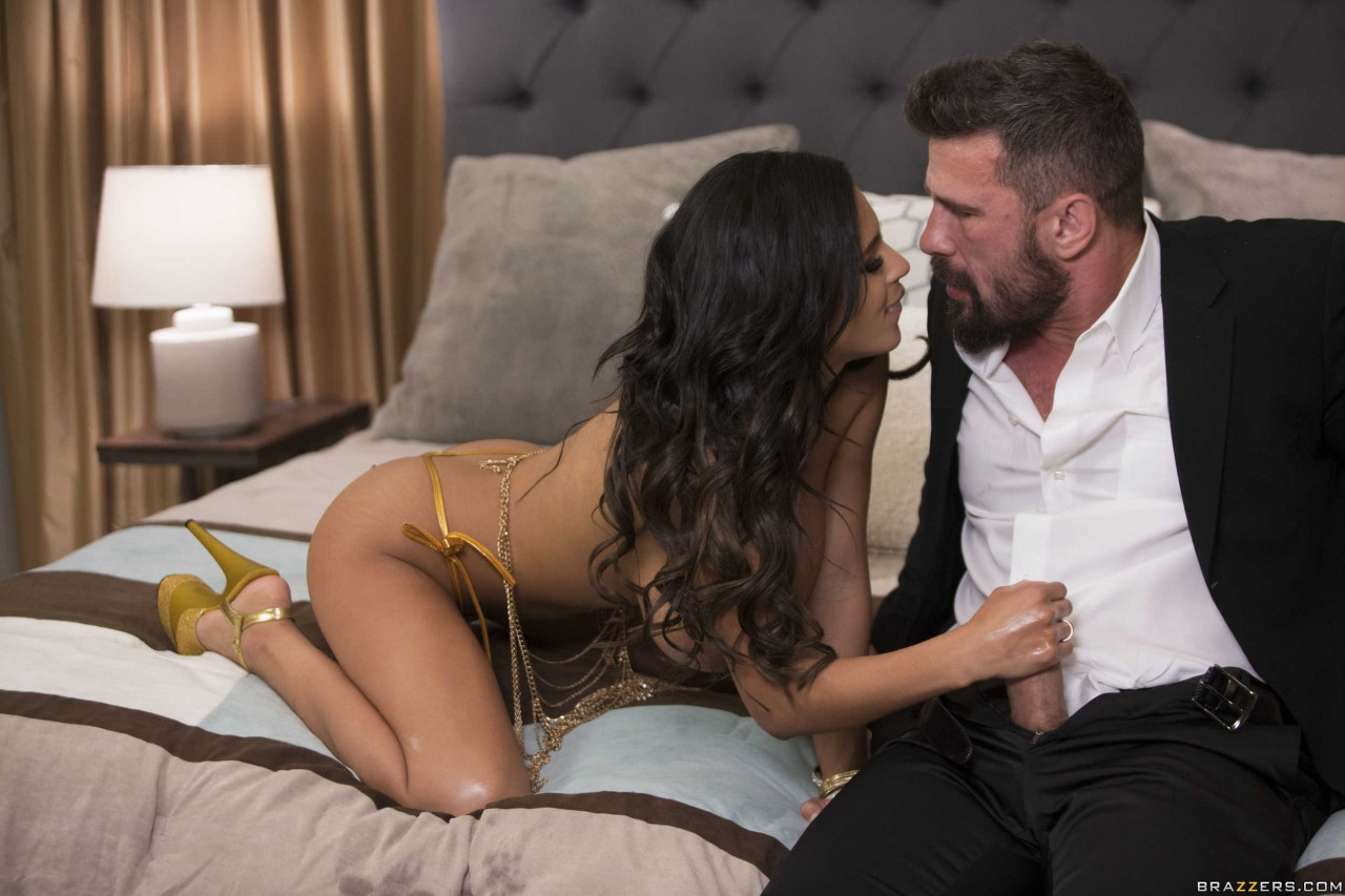 Brazzers Autumn Falls VIP Treatment 9