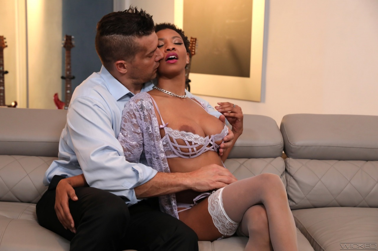 Wicked: September Reign - Axel Braun's Short Hair Don't Care 3 5