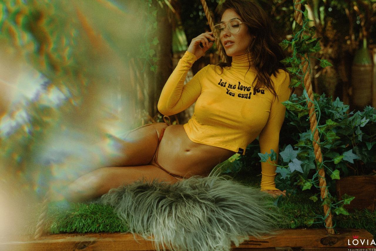 Eva Lovia - 70s Babe 4