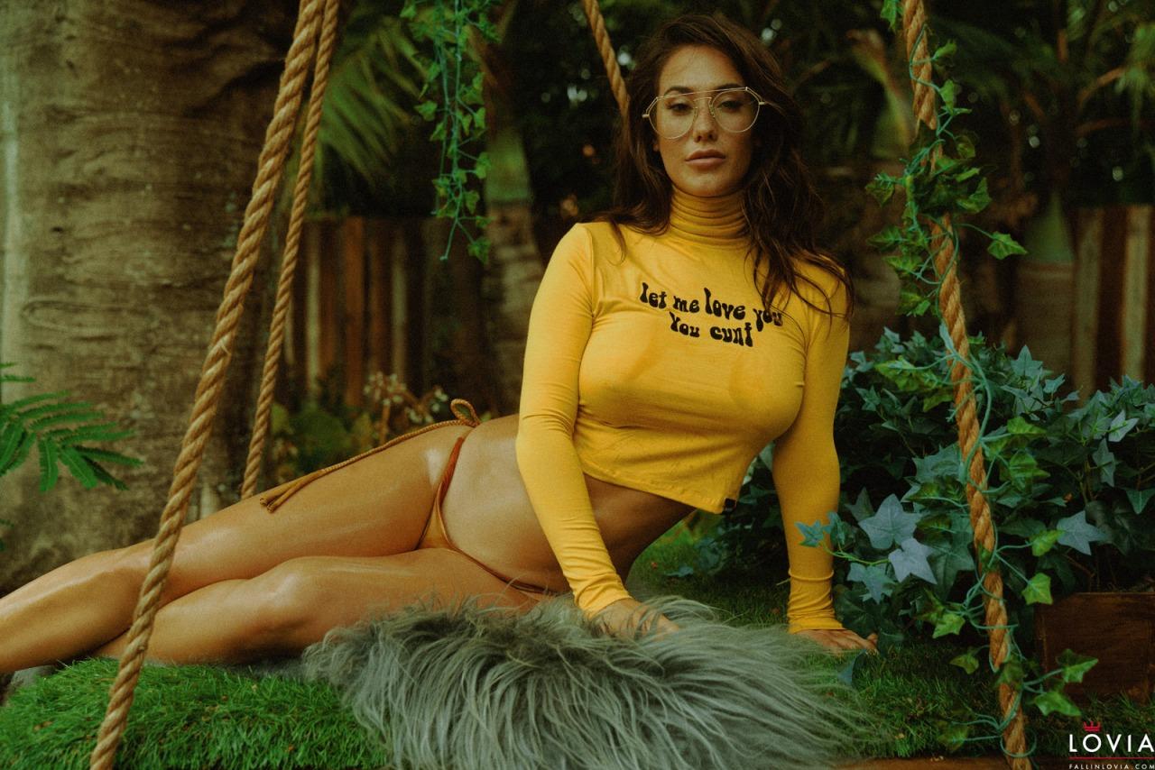 Eva Lovia - 70s Babe 1