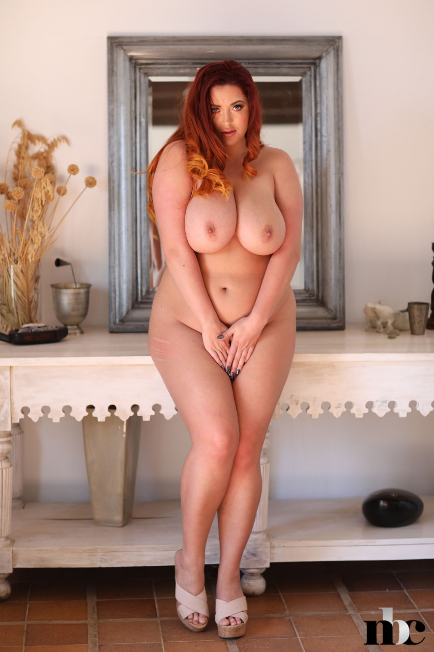 Nothing But Curves: Lucy Vixen - 12
