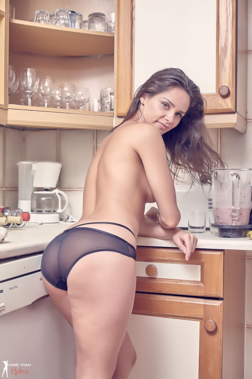 More Than Nylons: Adele Taylor - Sexy Smoothie 11
