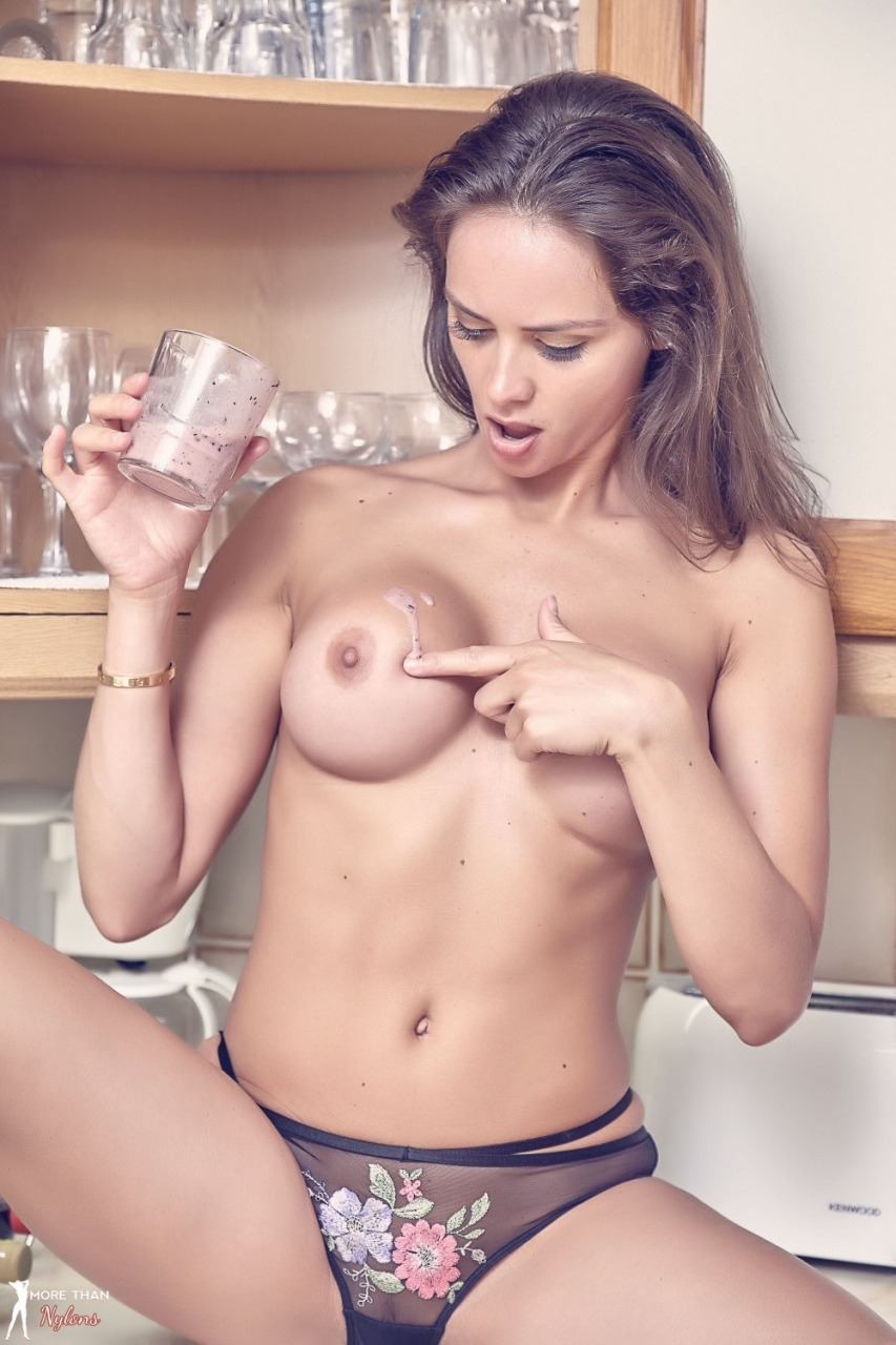 More Than Nylons: Adele Taylor - Sexy Smoothie 9