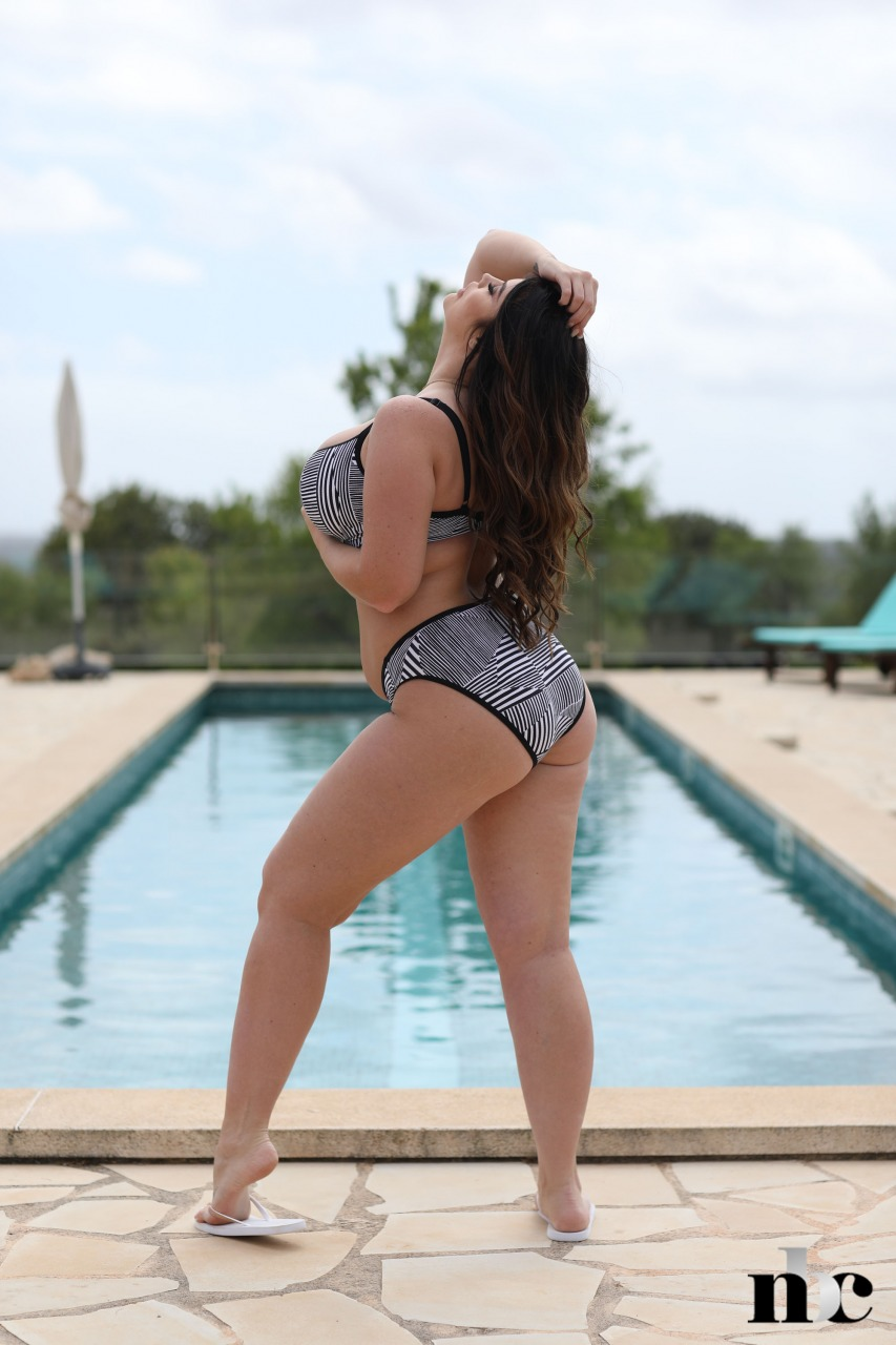 Nothing But Curves: Terri Lou - 4