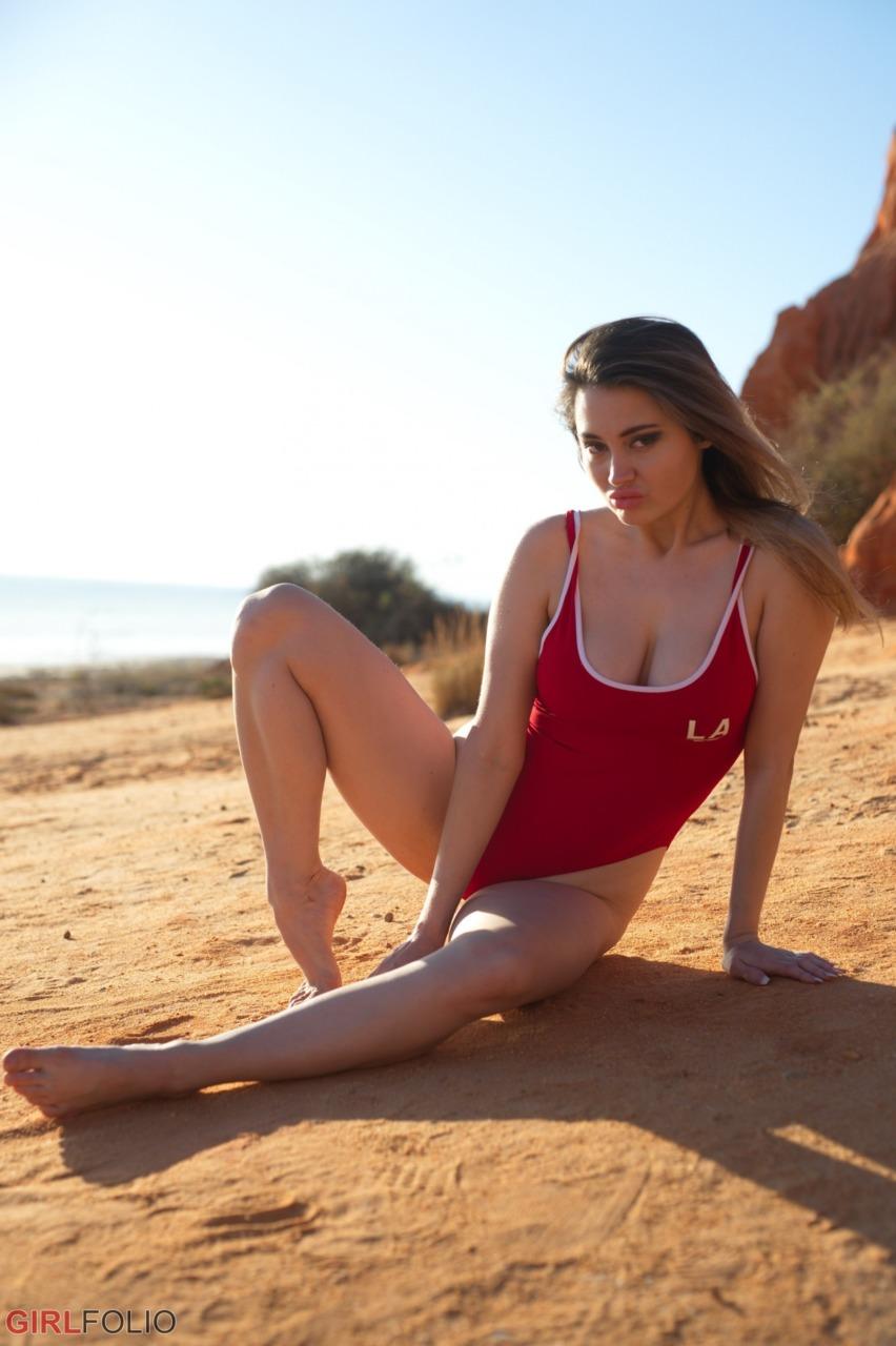 Girlfolio: Gabriella Knight - Bikini Shoot 11