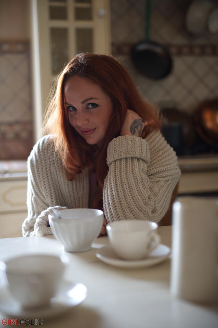 Girlfolio: Kara Carter - Kara's Got The Cream 1