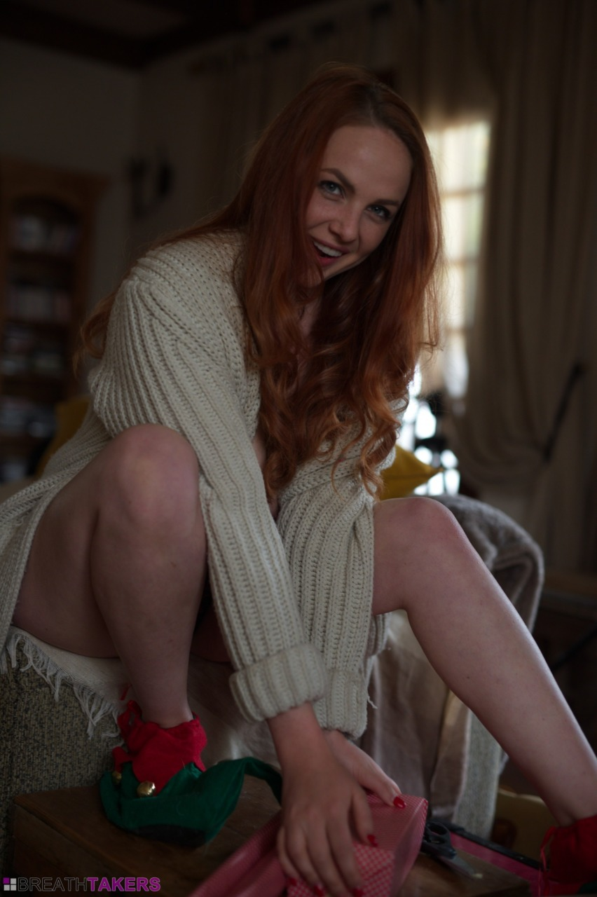 BreathTakers: Kara Carter - Santas Little Elf 5
