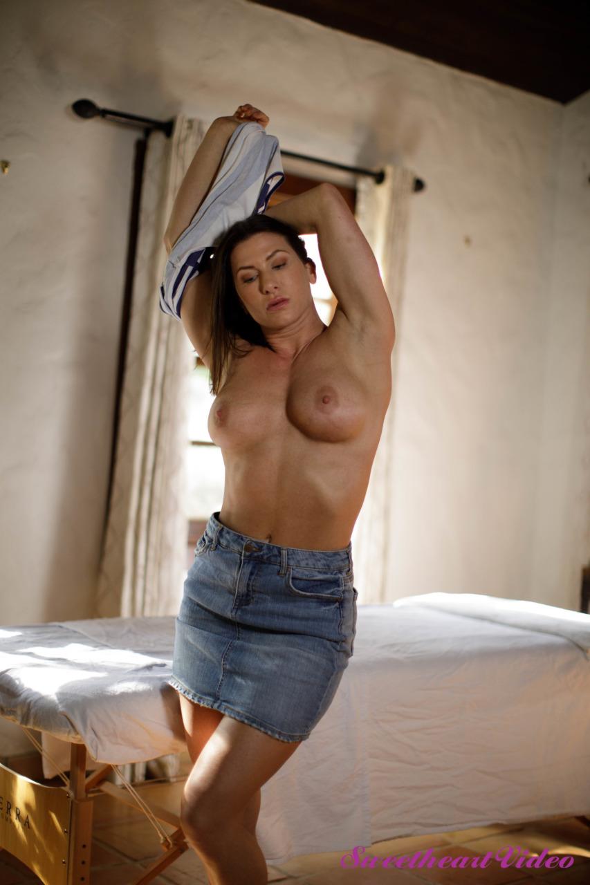 Jade Kush - Lesbian Massage 5 2