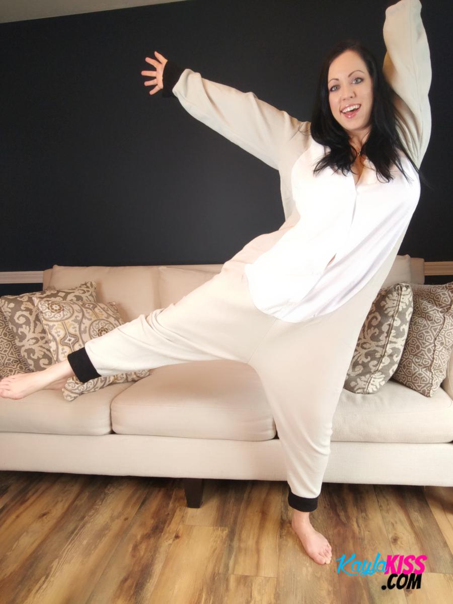 Kayla Kiss - Sexy Pajama Candids 3