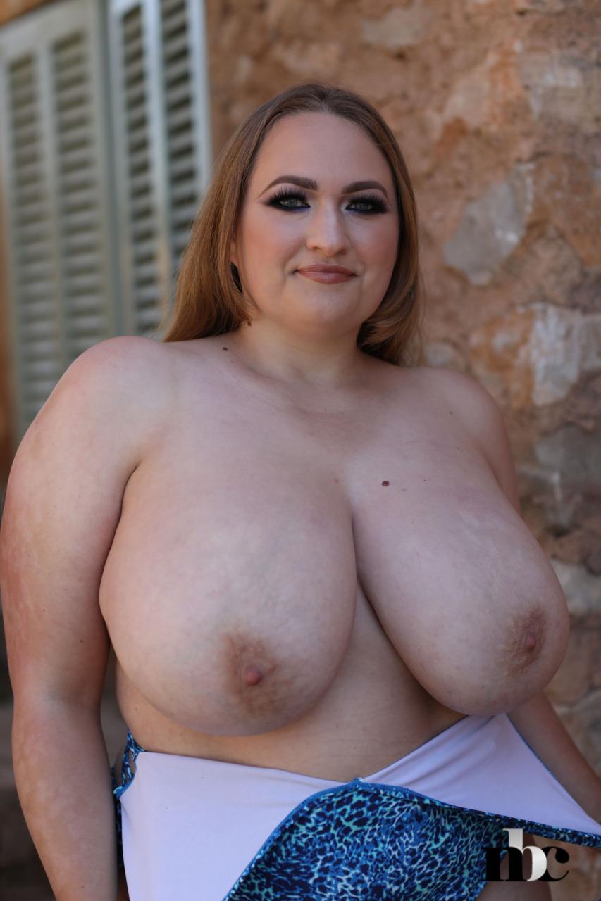 Nothing But Curves: Sara Willis - 8