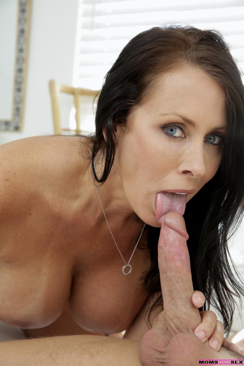 Moms Teach Sex - Haley Reed Reagan Foxx12