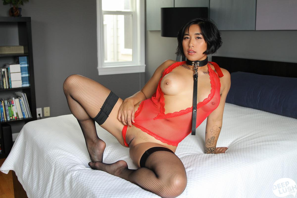 Deep Lush Mia Li - Friendly Intimacy 15