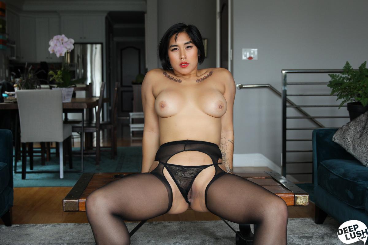 Deep Lush Mia Li - Friendly Intimacy 8
