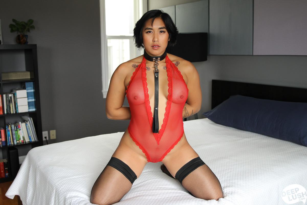Deep Lush Mia Li - Friendly Intimacy 10
