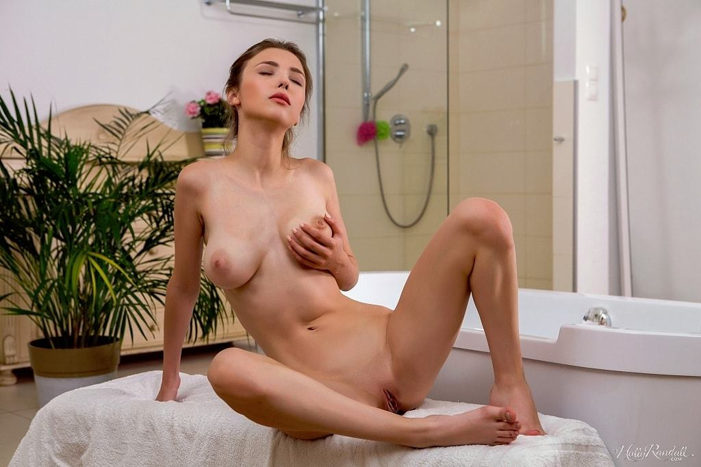 Holly Randall: Mila Azul - 5