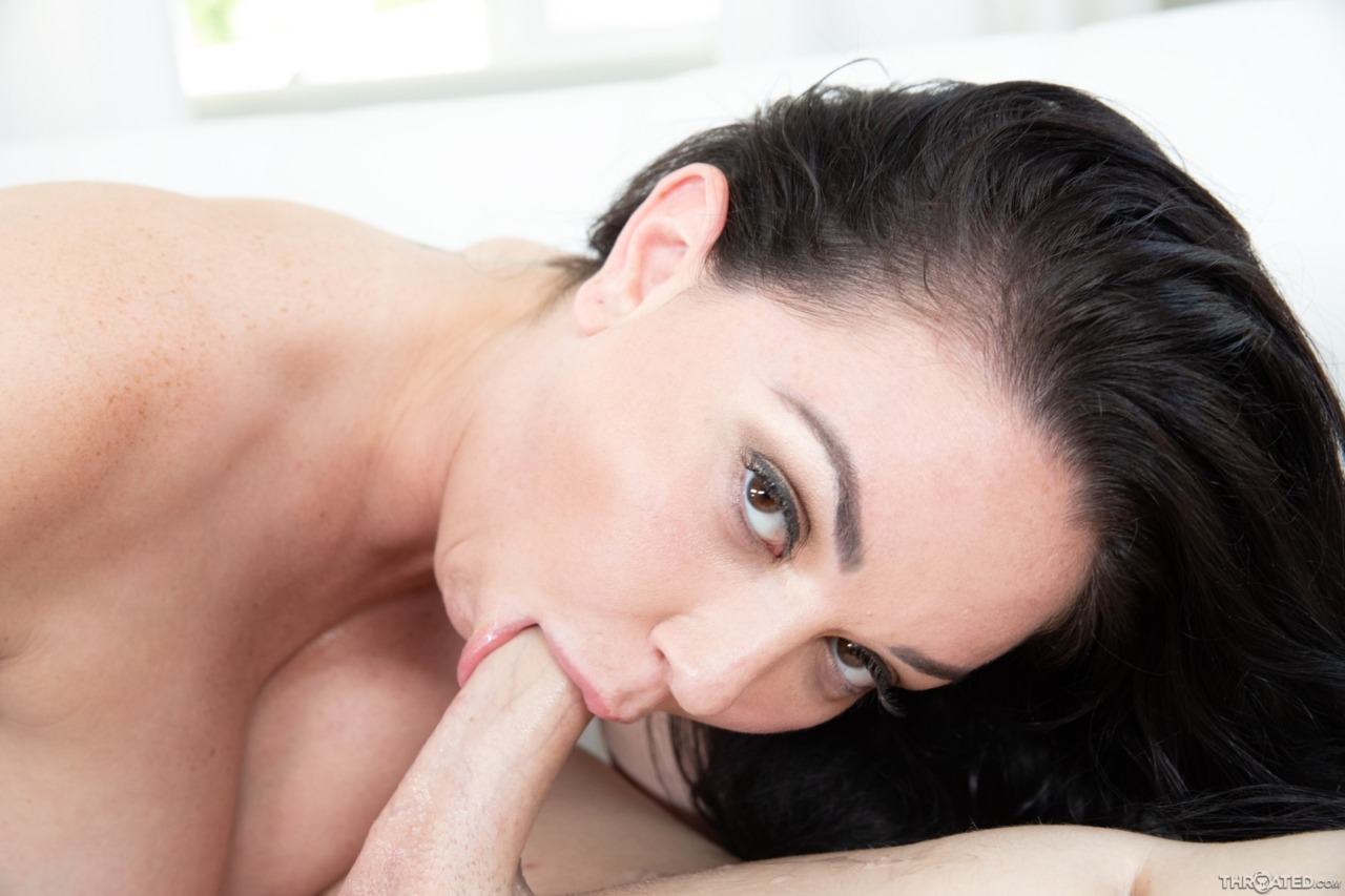 Blowpass: Brooke Beretta - 12