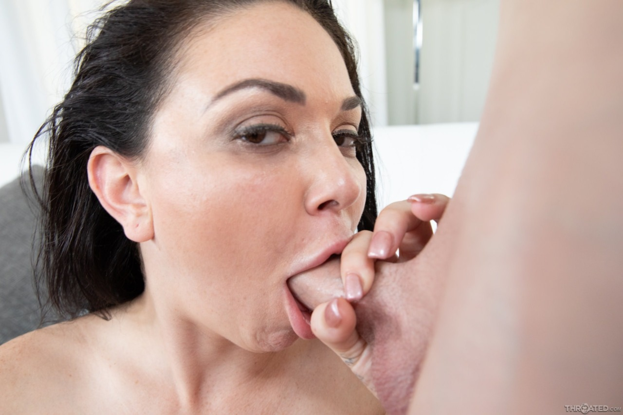 Blowpass: Brooke Beretta - 16