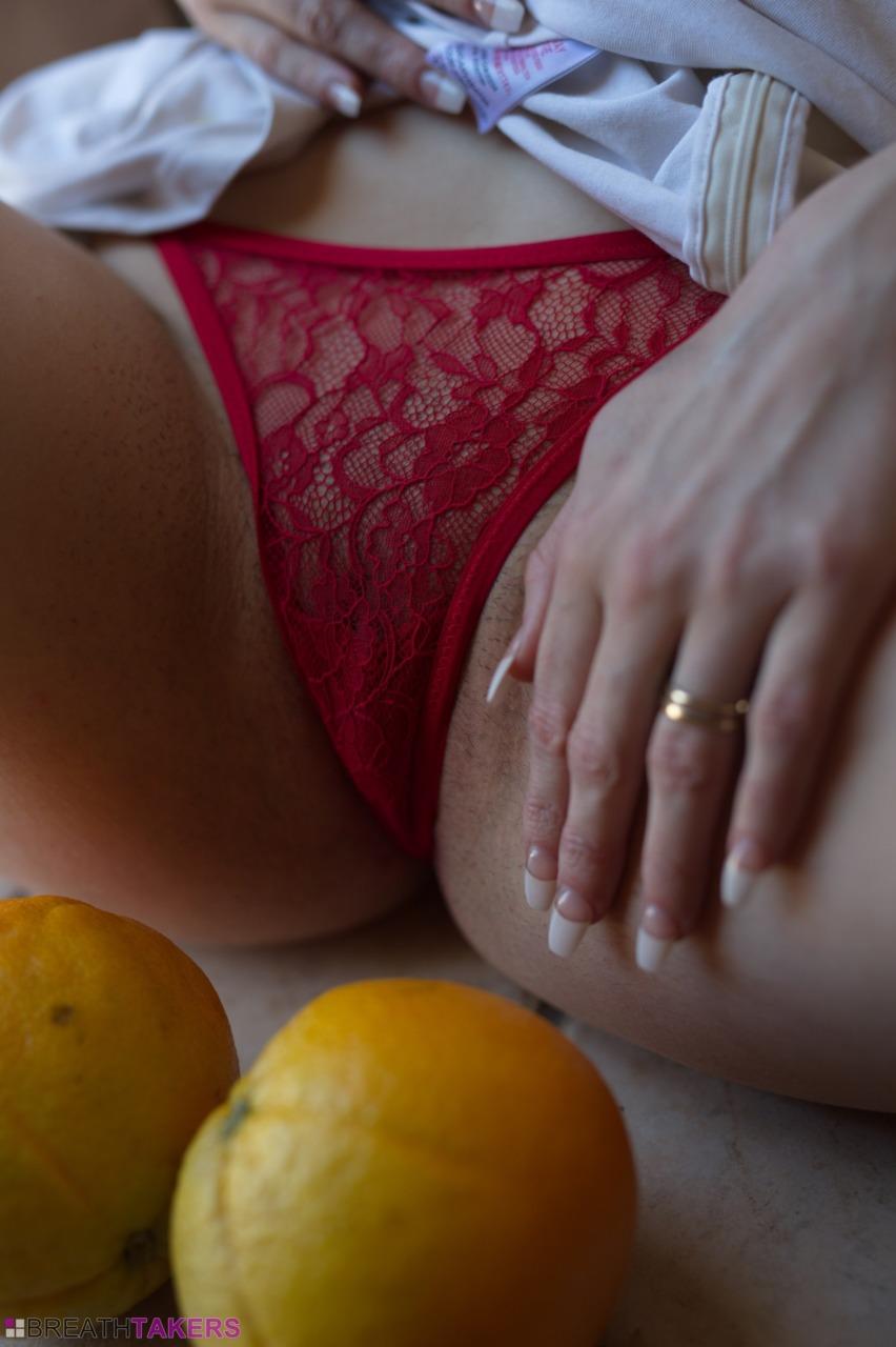 BreathTakers: Gabriella Knight - Orange Peel 12