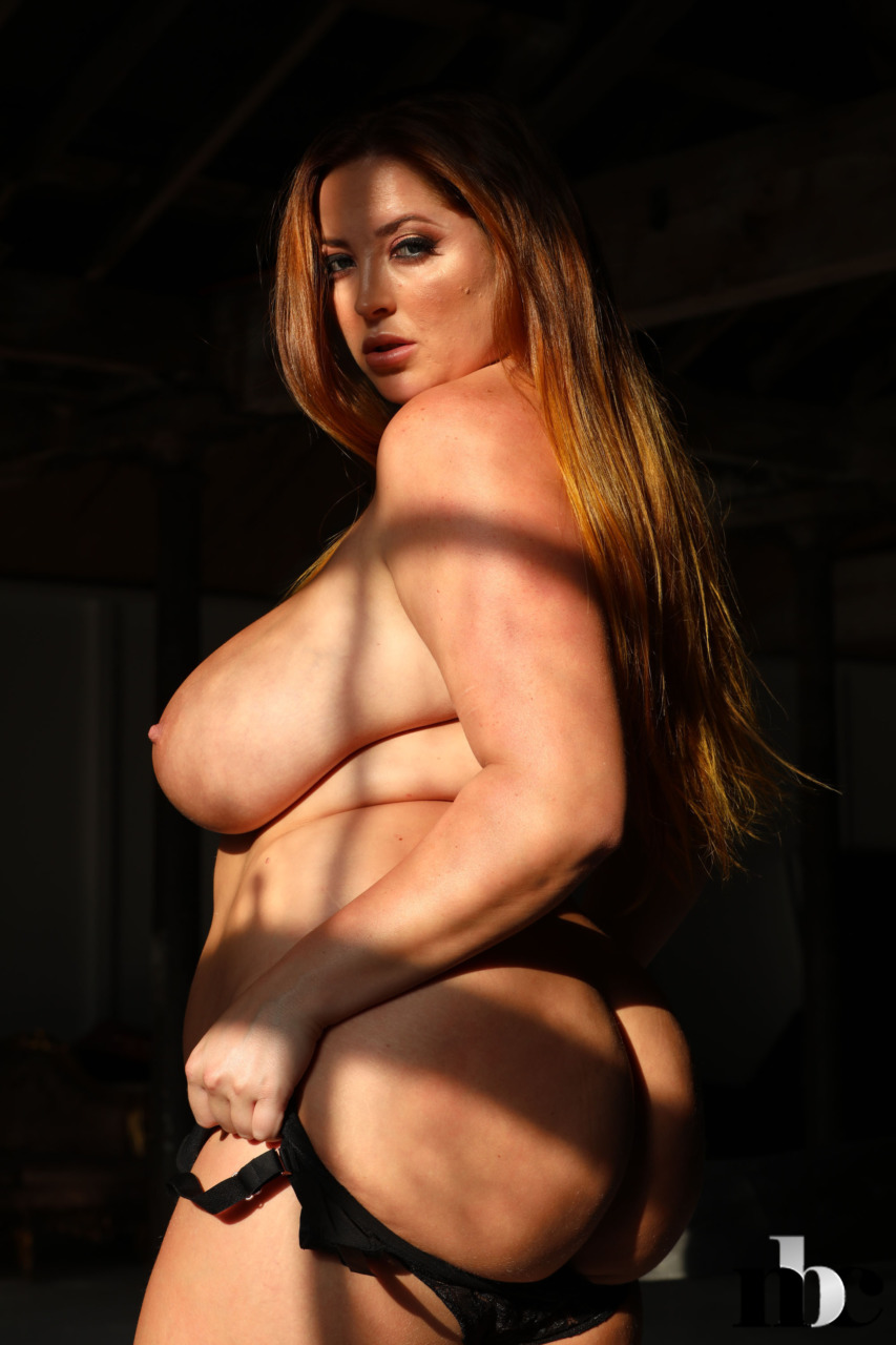 Nothing But Curves: Lucy Vixen - 9