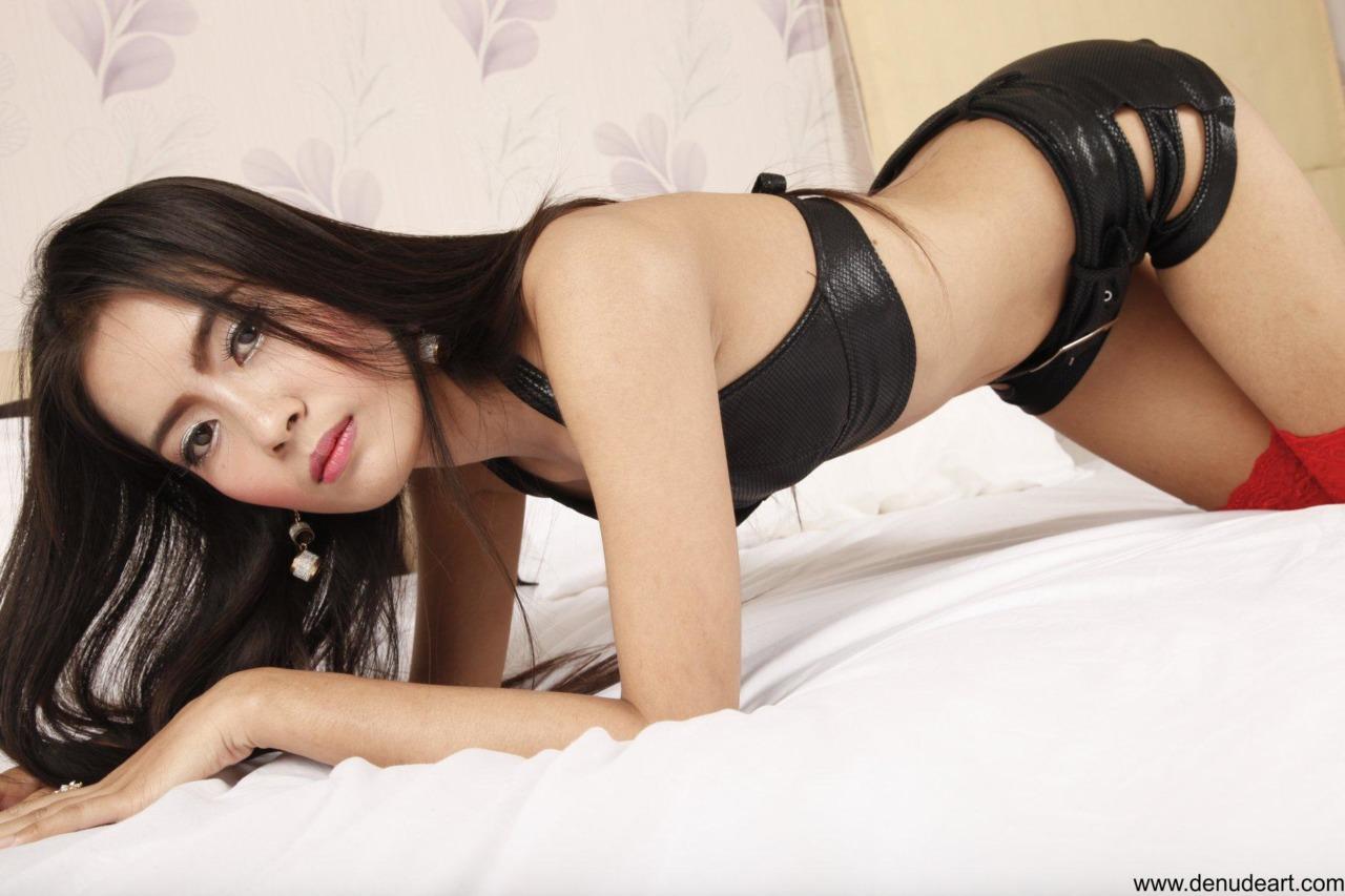 Yoko in Unshaved 5