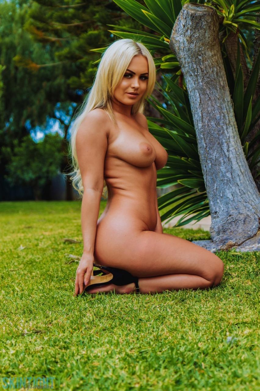 Skin Tight Glamour: Sara Louise - Perfect In Purple 11