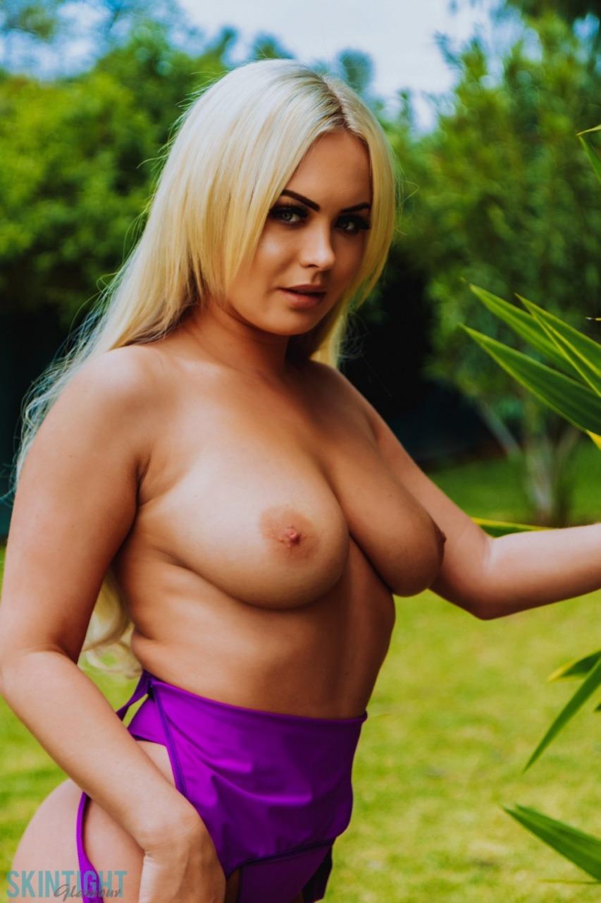 Skin Tight Glamour: Sara Louise - Perfect In Purple 7