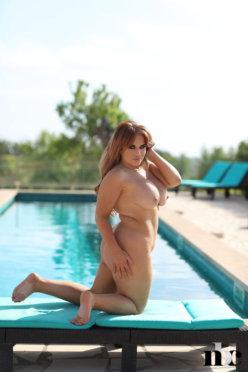 Nothing But Curves: Amber Leah - 12