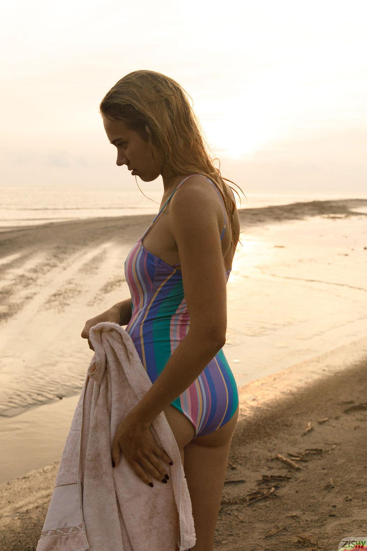 Zishy: Sofia Orlova Dirty Beach Babe 1