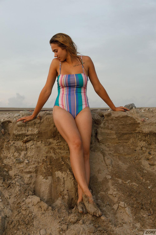 Zishy: Sofia Orlova Dirty Beach Babe 9
