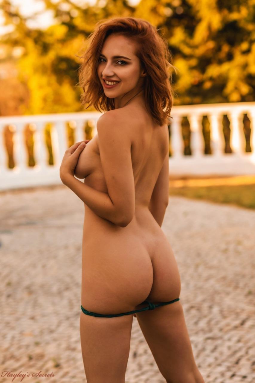 Hayleys Secrets: Sophia S - Golden Girl 12