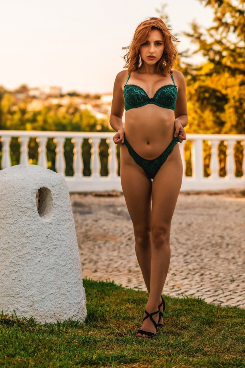 Hayleys Secrets: Sophia S - Golden Girl 7