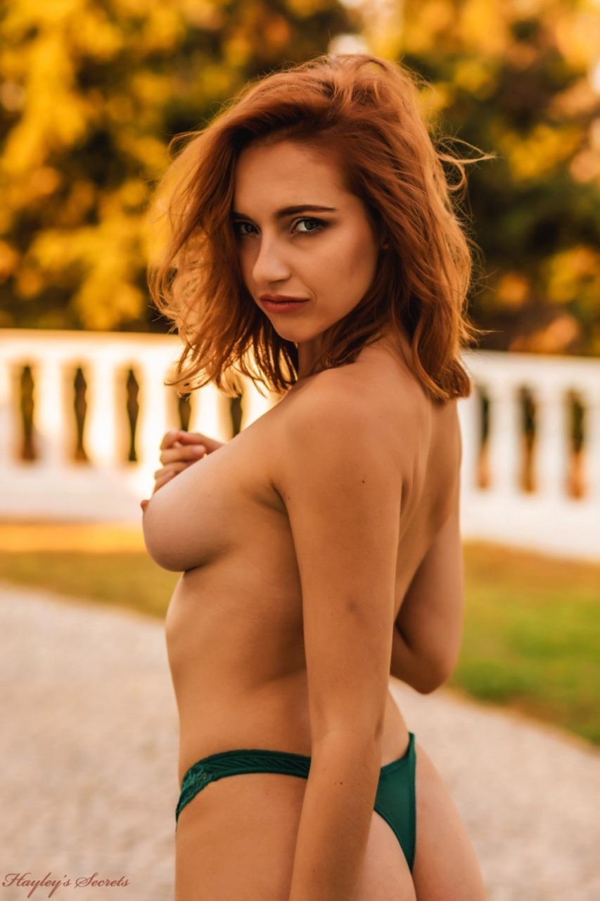 Hayleys Secrets: Sophia S - Golden Girl 8