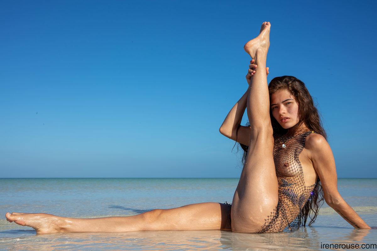 Irene Rouse Wet Beach Latina 12