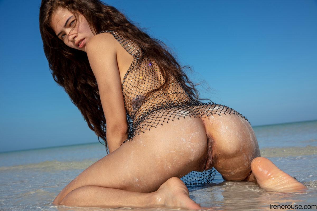 Irene Rouse Wet Beach Latina 8