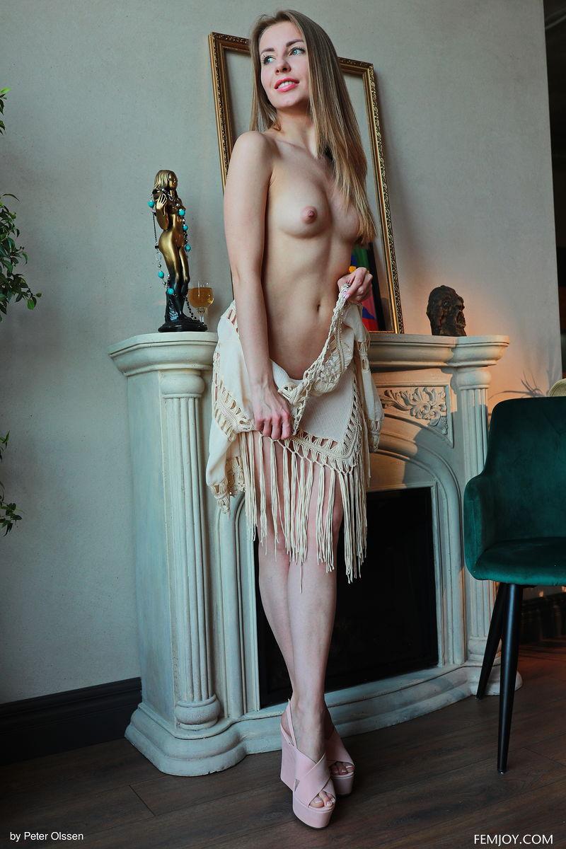 Zishy: Amelia N Petite Hottie 3