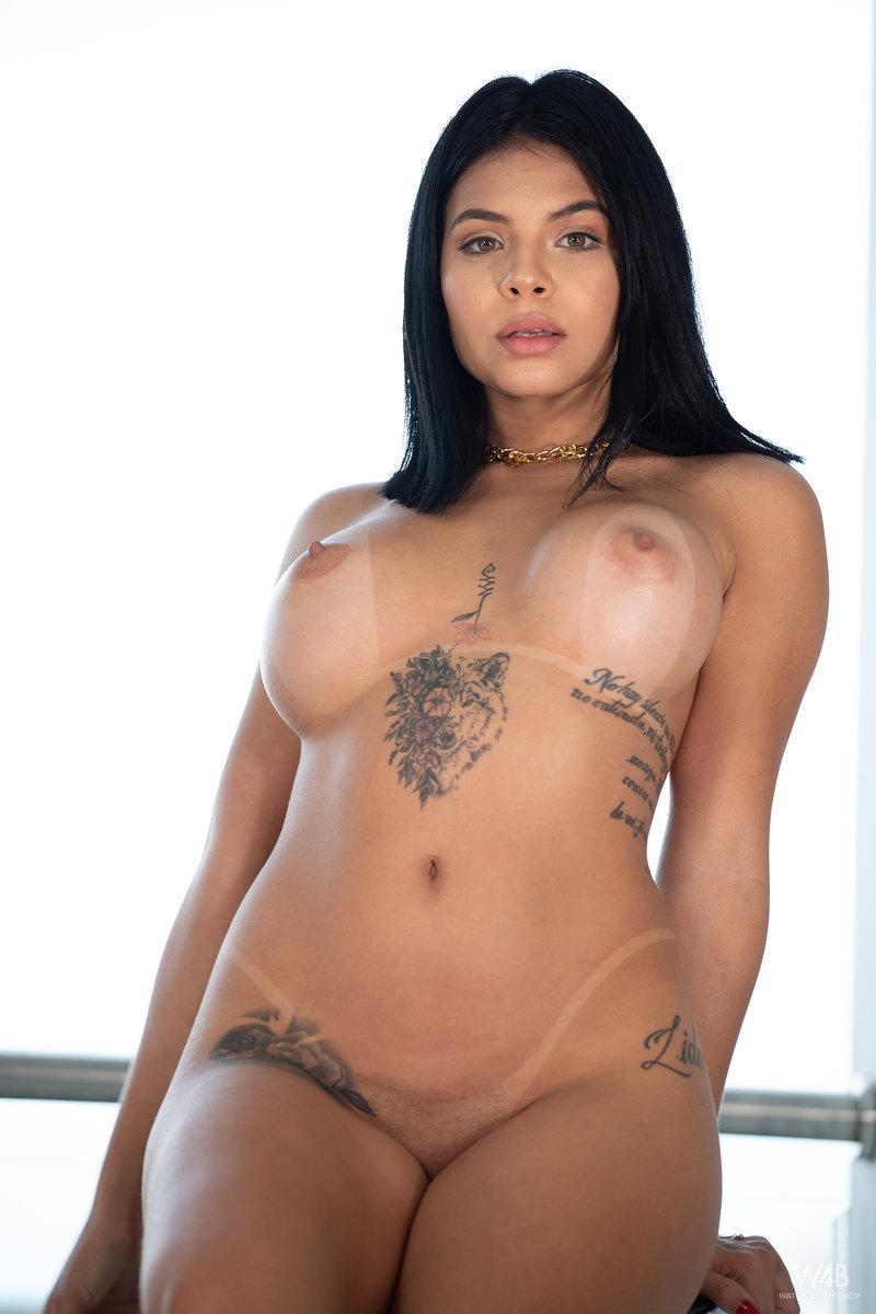 Ivy Miller in Ivy Loves You 13