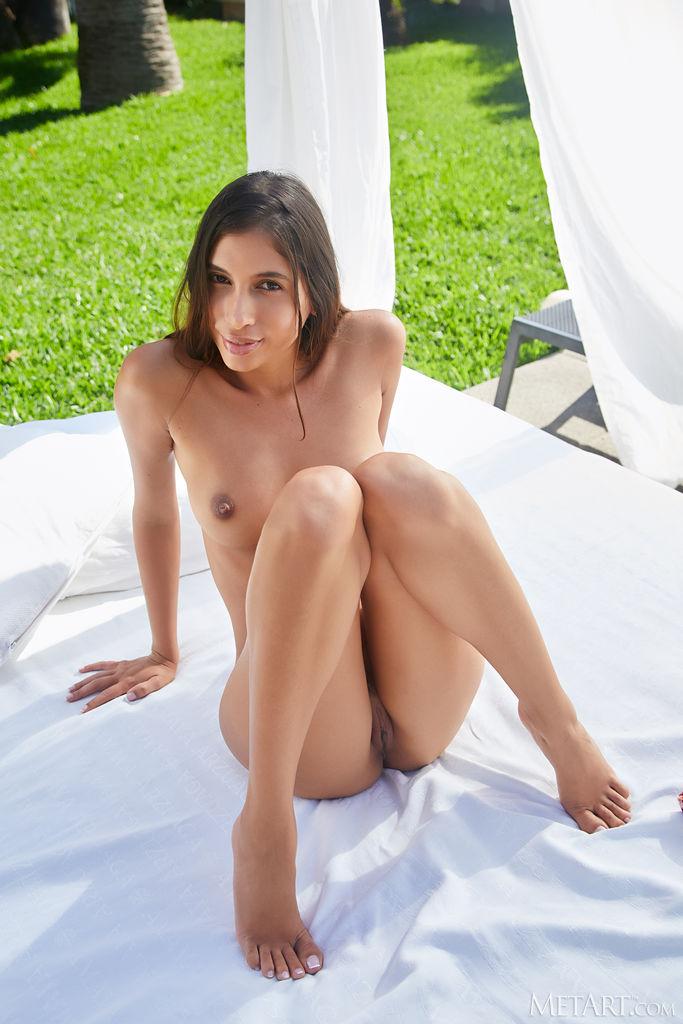 Zishy: Baby Nicols Exotic Bikini Girl 7