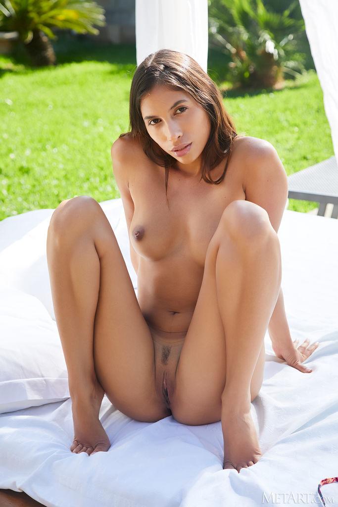 Zishy: Baby Nicols Exotic Bikini Girl 9