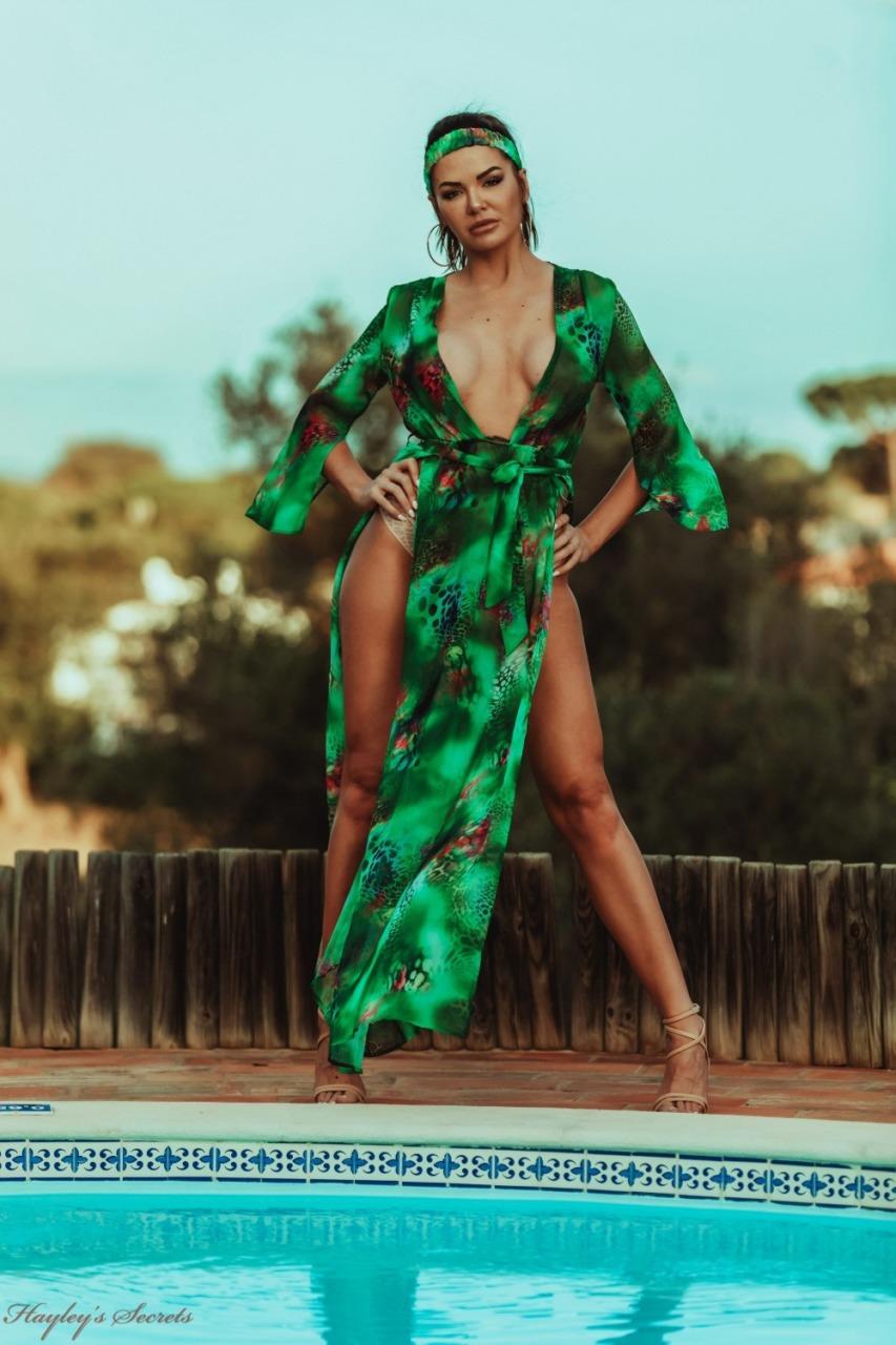 Hayleys Secrets: Nicole B - Emerald Isle 6