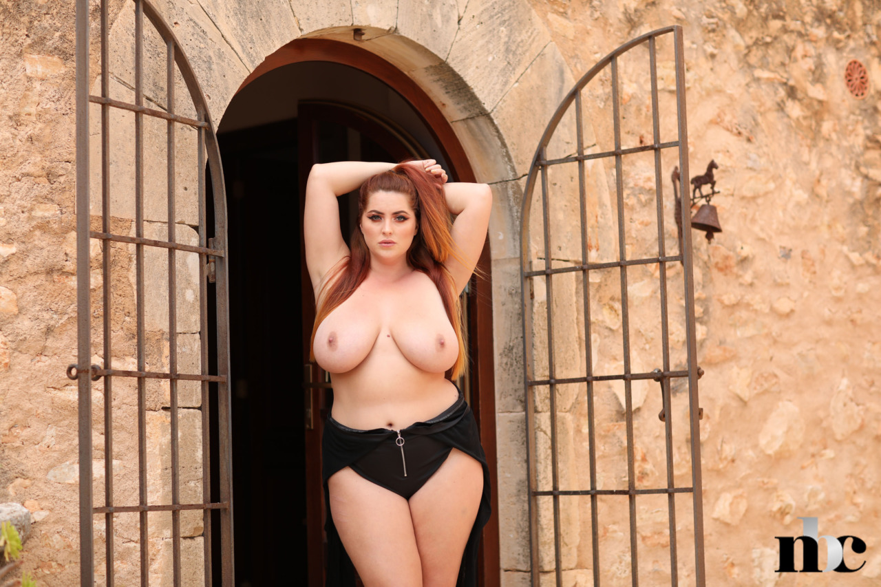 Nothing But Curves: BabeSource.com: Lucy Vixen - 11