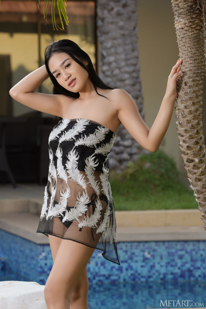 Zishy: Kahlisa Stripping by the Pool 1