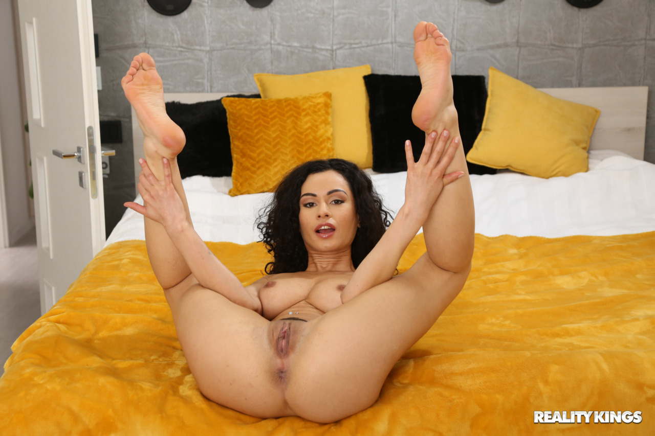 Reality Kings: BabeSource.com: Stacy Bloom - 4