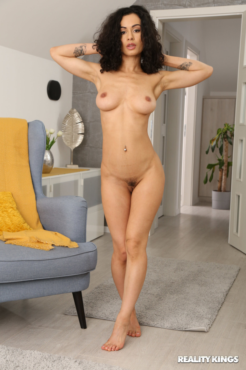 Reality Kings: BabeSource.com: Stacy Bloom - 6