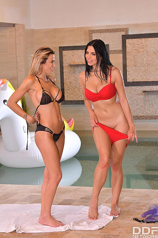 Euro Girls on Girls: Shalina Devine  & Kira Queen - Bffs Shalina Devine & Kira Queen Give Each Other Nude Massages & More at the Pool 16