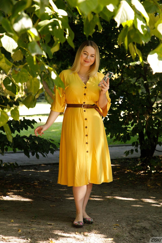 Zishy: Ivanna Ershova in Yellow 1