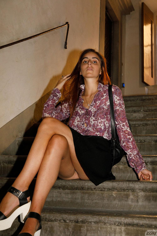 Zishy: Aurora Morgenrote Sexy Italian Girl 10