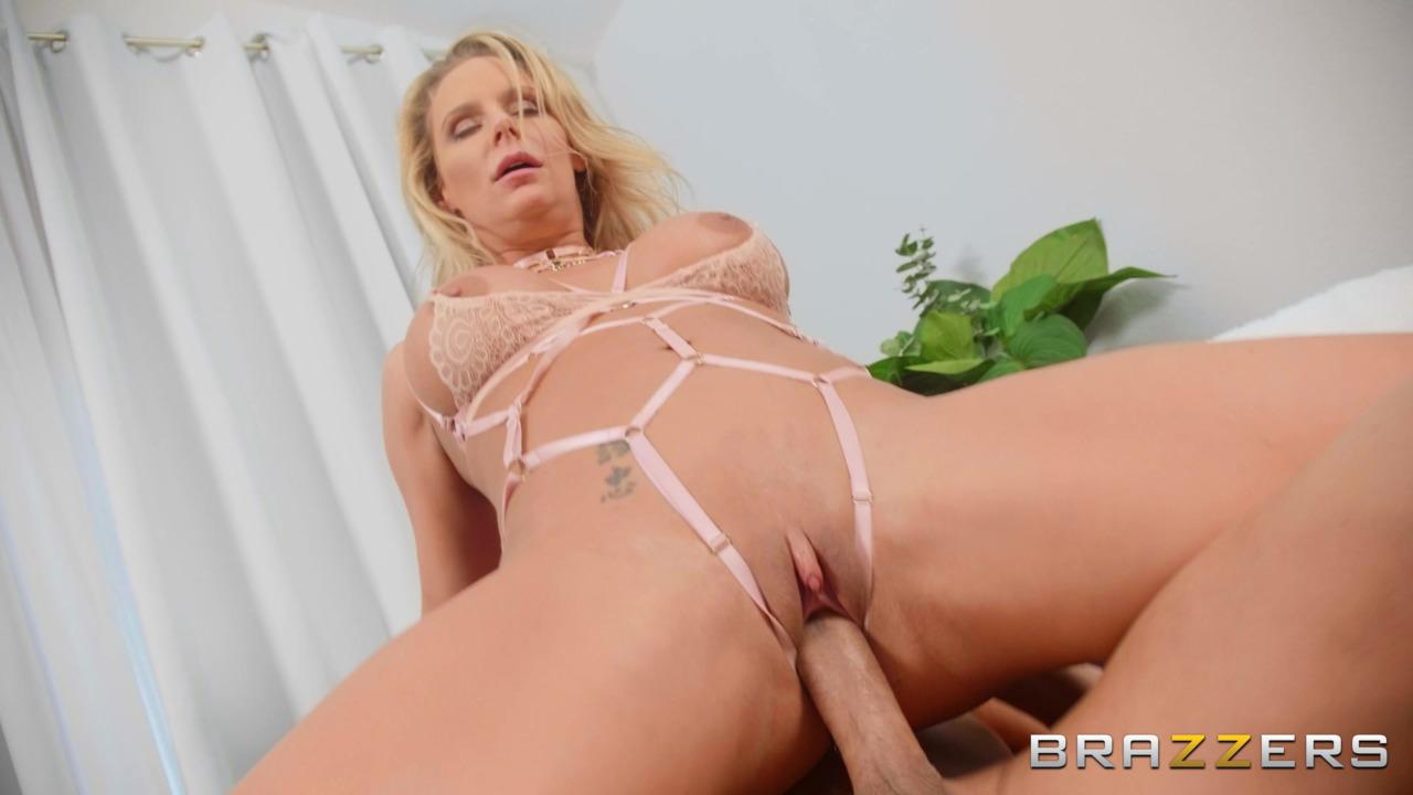 Brazzers: BabeSource.com: Phoenix Marie - 8