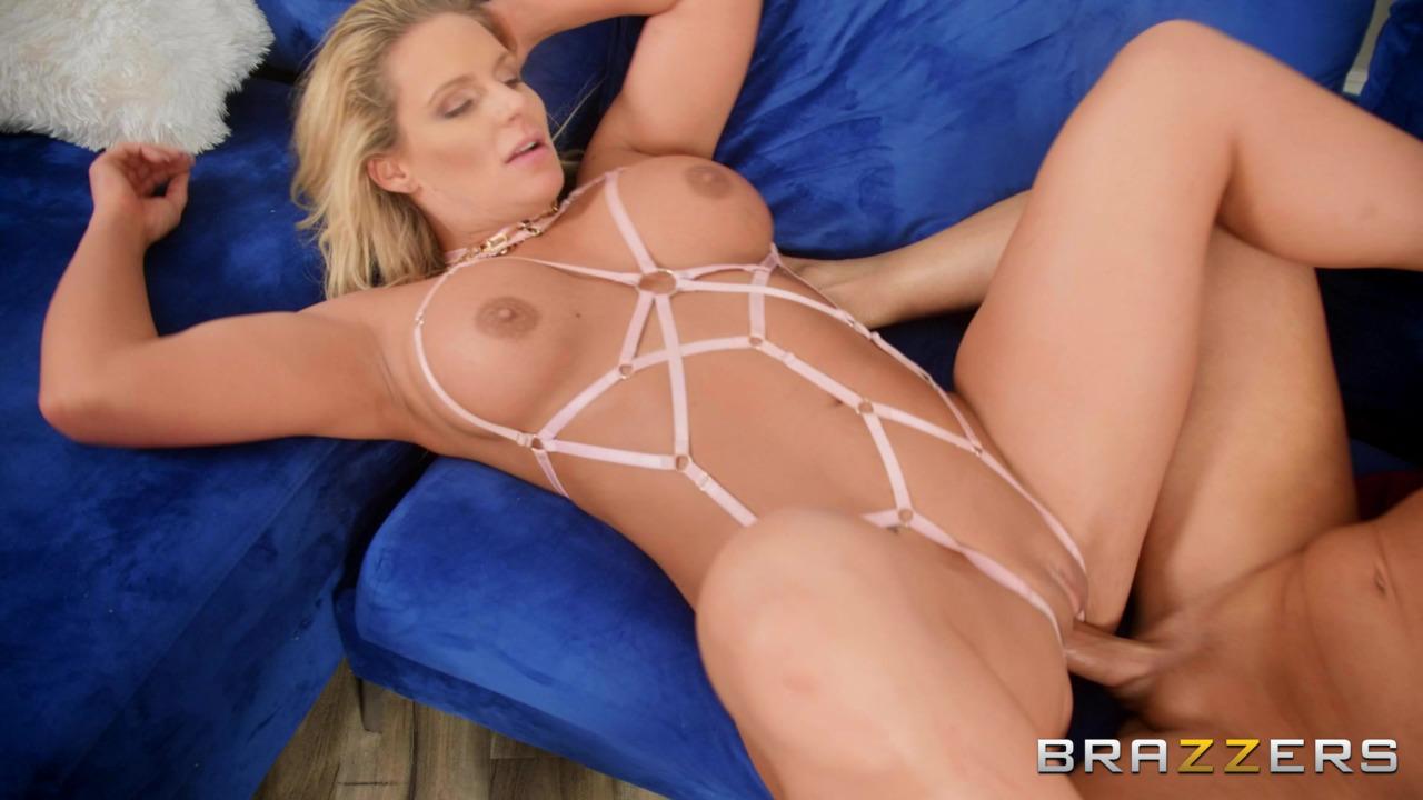 Brazzers: BabeSource.com: Phoenix Marie - 10